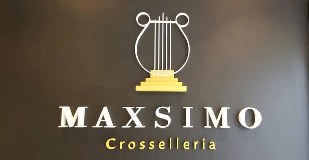 Fertiges Kennmal zum Kleben im Eingangsbereich von Maxsimo