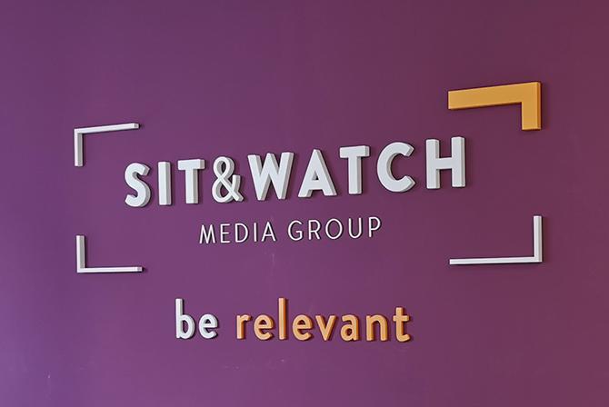 Sit & Watch - Kennmal zum Kleben